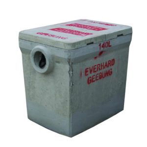 140 LITRE EVERHARD BELOW GROUND DOMESTIC GREASE TRAP